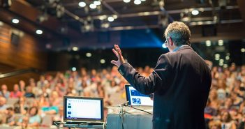 Pro Steps to Become a Compelling Speaker